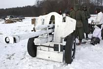 Členové Klubu vojenské historie Chotěbuz v neděli 15. ledna zpřístupnili tři vojenské bunkry, které spravují.