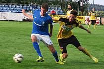 Fotbalisté Karviné (ve žlutém) remizovali ve Vlašimi.