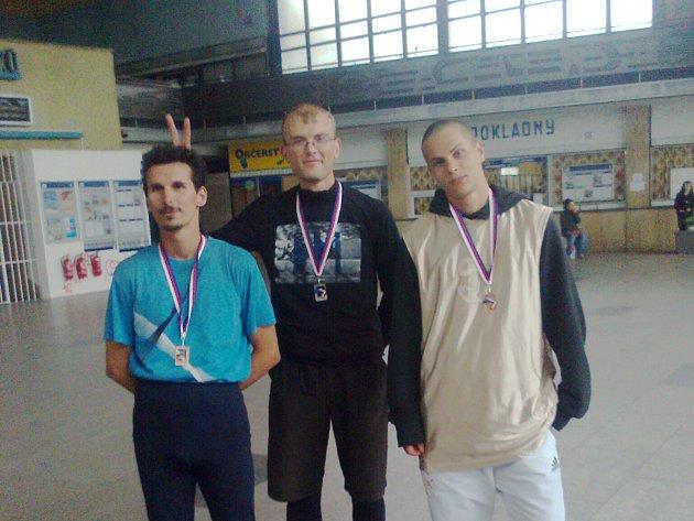 Atleti Karviné se vracejí z mistrovství Moravy a Slezska s medailemi.