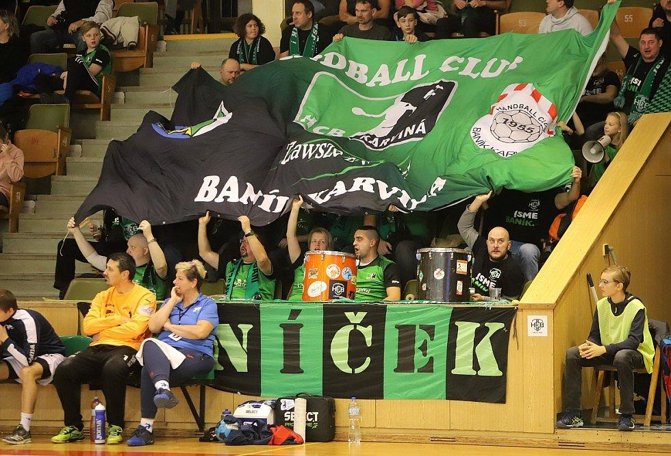 Házenkáři Karviné (v zeleném) si poradili s Jičínem a oplatili mu porážku z úvodního kola.
