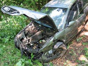 Čelní střet dvou automobilů v Dětmarovicích