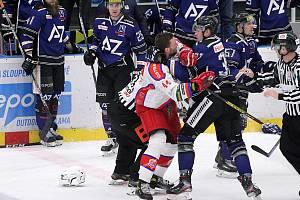 Havířovští hokejisté (v modrém) si doma poradili s Porubou.