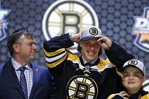 David Pastrňák na draftu NHL. Vybral si jej Boston.