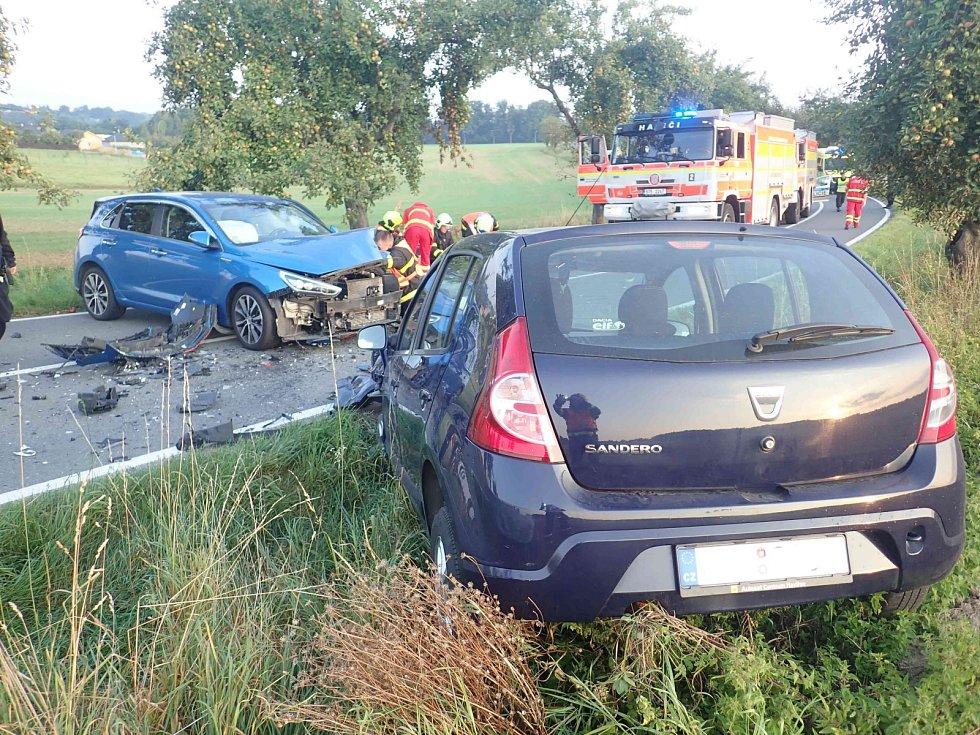 Srážka dvou osobních aut v Bludovicích.