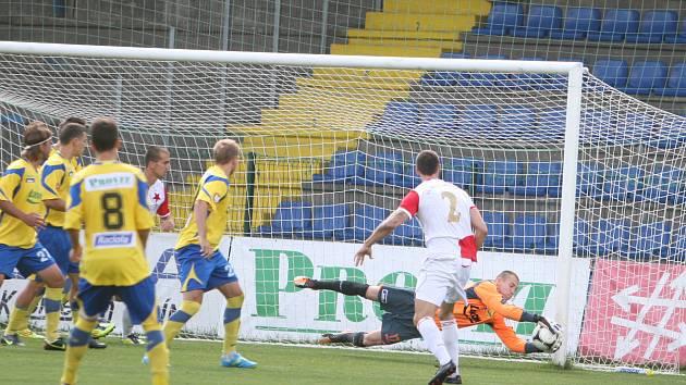 Orlovští fotbalisté získali v premiéře v MSFL bod.