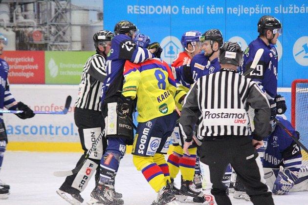 Čtvrté utkání série mezi Havířovem (vmodrém) a Českými Budějovicemi opanovali opět Jihočeši.