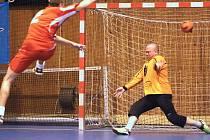 V Karvinské futsalové lize se bojuje na maximum.