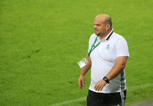 Roman Nádvorník věří, že Dukla se do gólových šancí vKarviné nedostane.
