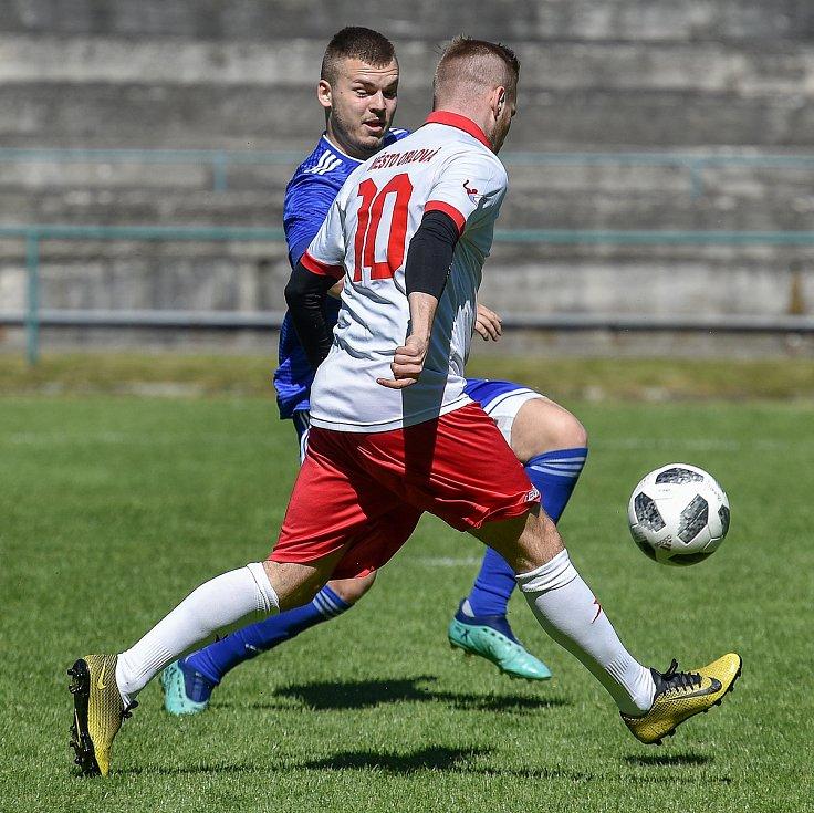Fotbalová příprava Orlová - Řepiště (v modrém).