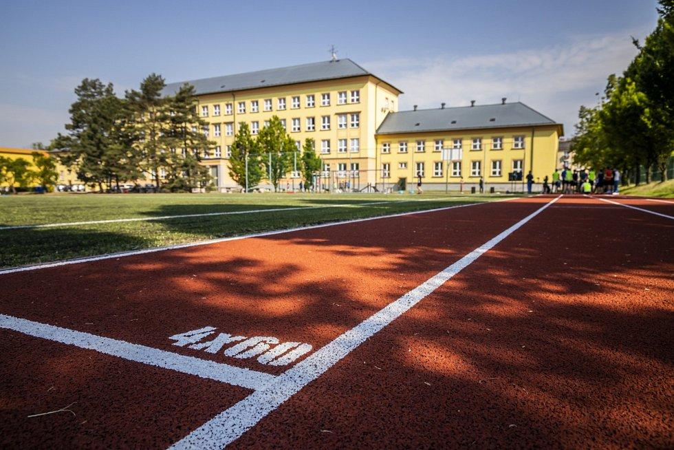 Opravené sportoviště karvinského gymnázia.