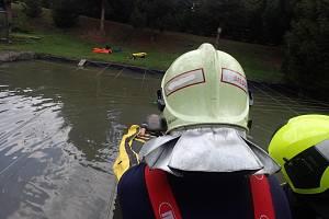 Záchranná akce hasičů.