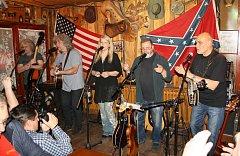 V Těrlickém Country clubu koncertovala v pátek legendární kapela Rangers-Plavci.