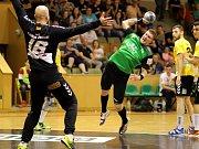 Házenkáři Baníku si v dramatickém duelu poradili s Plzní.