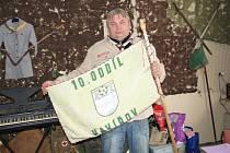 Jan Michalčík v hornosušské klubovně skautů.