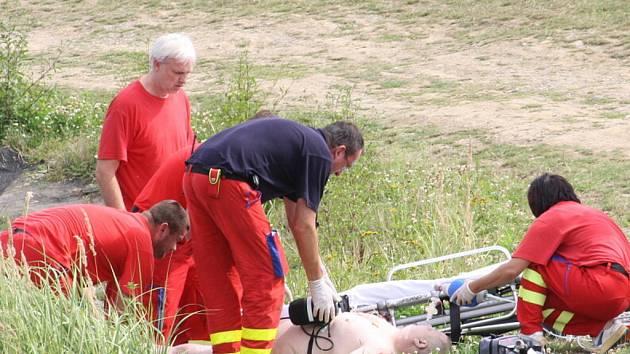 Záchrana muže, který se topil v Darkovském moři.