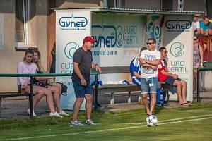 Trenér Albrechtic Radek Nešpor (v čepičce) může být s dosavadním průběhem sezony spokojen.