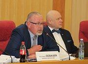 Krajský zdravotní rada Martin Gebauer při jednání o orlovské nemocnici.