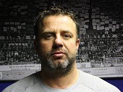 Jaroslav Mrowiec držel při play-off a následné baráži partu. Také se neholil.