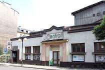 Průčelí kina Central dostane původní podobu v kubistickém stylu.