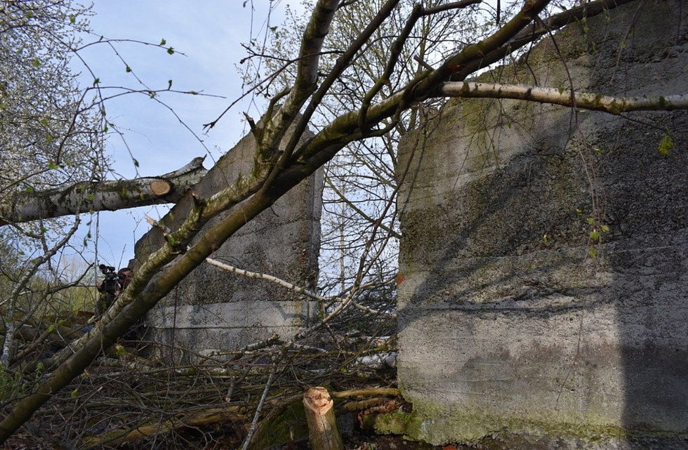Zbytky zdí tábora pro italské  zajatce.