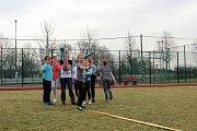 Sportovní dopoledne. Kromě měření udělali účastníci projektu i něco pro své zdraví.