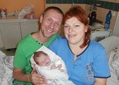 Lukáš Kanovník s rodiči, Ostravice, nar. 13. 12., 51 cm, 3,60 kg. Nemocnice ve Frýdku-Místku.