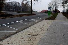 Autobusová zastávka na konci Dlouhé třídy v Havířově-Životicích.