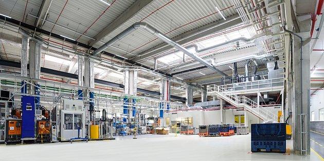 Společnost Varroc Lightning System otevřela ve svém závodě vRychvaldu novou výrobní halu.