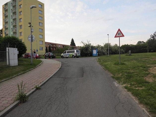 Místo kolize auta scyklistou vHálkově ulici vHavířově.