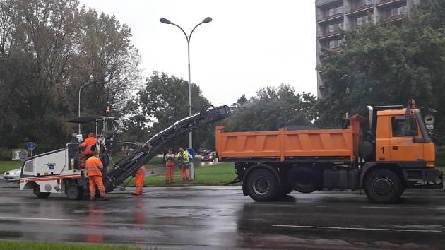 Oprava silnice v Karviné.