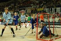 Florbalový ČEZ Street Hockey se těší čím dál větší popularitě.
