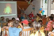 Letošní dětský tábor u orlovského evangelického kostela byl věnován létání.