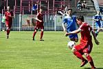 Havířovští fotbalisté (v modrém) přehráli Nový Jičín 2:0.