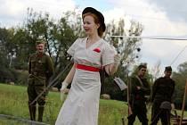 Modely z nádherných a svobodomyslných let mezi dvěmi světovými válkami představí výstava Repliky oděvů první republiky v karvinské výstavní síni Muzea Těšínska.
