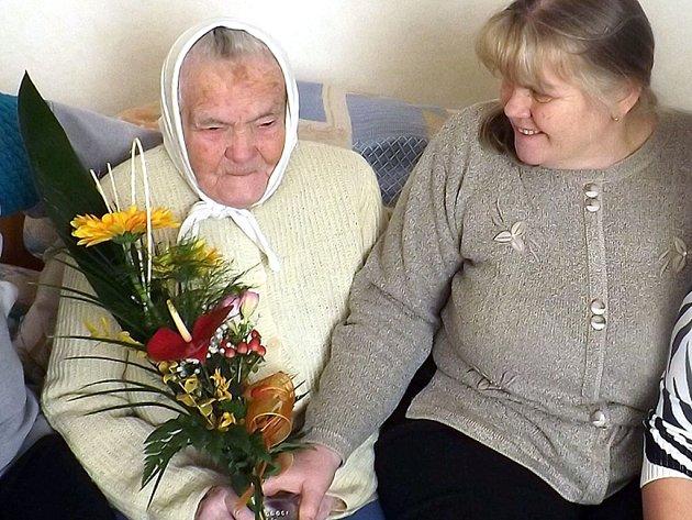 Františka Adámková z Těrlicka oslavila 103. narozeniny.