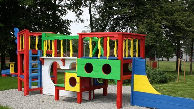 Nové dětské hřiště ve Stonavě.