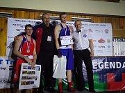 Na snímku poražený finalista Alex Vančura, trenér Baníku Roman Nevrla, mistr republiky Daniel Mikušťák a uznávaný sudí Antonín Gašpar.