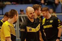 Hynek Plášek (s číslem 20) převezme florbalový tým Torpeda.