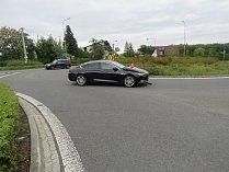 K dopravní nehodě motocyklu s osobním autem, která si vyžádala jedno vážné zranění, museli v neděli odpoledne vyjíždět záchranáři v Havířově.