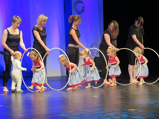 Pestrý program a hezkou podívanou nabídla páteční taneční akademie pohybových kurzů Městského kulturního střediska v Havířově.