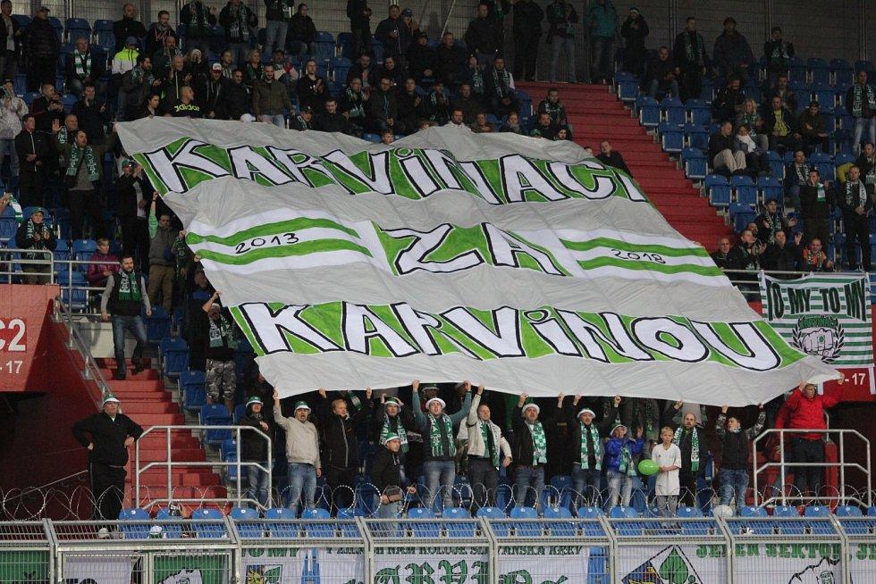 Karvinští fanoušci v Ostravě.