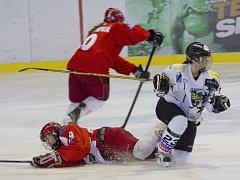 Hokejistky Karviné prohrály se Slavií i třetí a čtvrtý vzájemný duel.