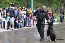 Občanské sdružení Romodrom připravilo ve spolupráci s obcí a policii zábavnou akci nejen pro romské děti.