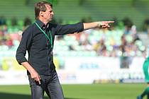 František Straka koučoval v neděli mužstvo proti Bohemians. Gól diváci neviděli.