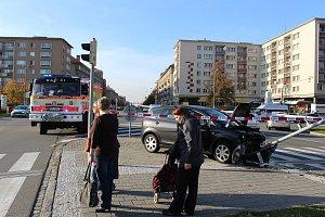 Auto v centru Havířova při nehodě zničilo semafor