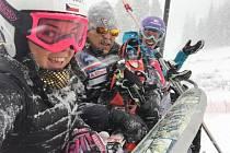 Kateřinu Pauláthovou a další lyžaře v Americe překvapily sněhové bouře.
