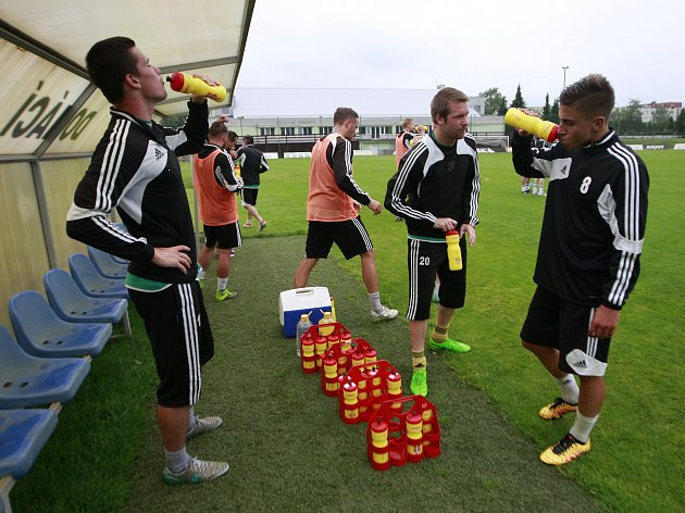 Příprava fotbalistů pokračuje. V sobotu je čeká první zápas.