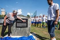 Vzpomínce na bývalého fotbalového brankáře a bohumínského rodáka Pavla Srníčka patřila v jeho rodném městě první prázdninová sobota.