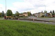 Stavba nových kruhových objezdů v Horní Suché.