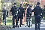 Zásah policie u rodinného domu v Prostřední Suché.